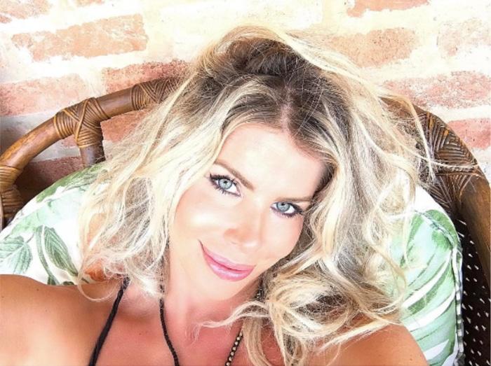 You are currently viewing Aos 40 anos, Karina Bacchi comemora gravidez por inseminação artificial