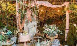Karina Bacchi faz chá de bebê Revelação surpreendente