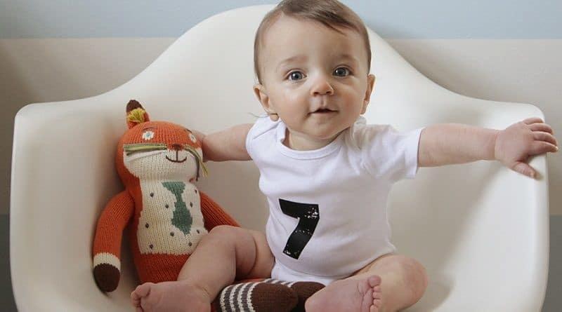 bebê de 7 meses