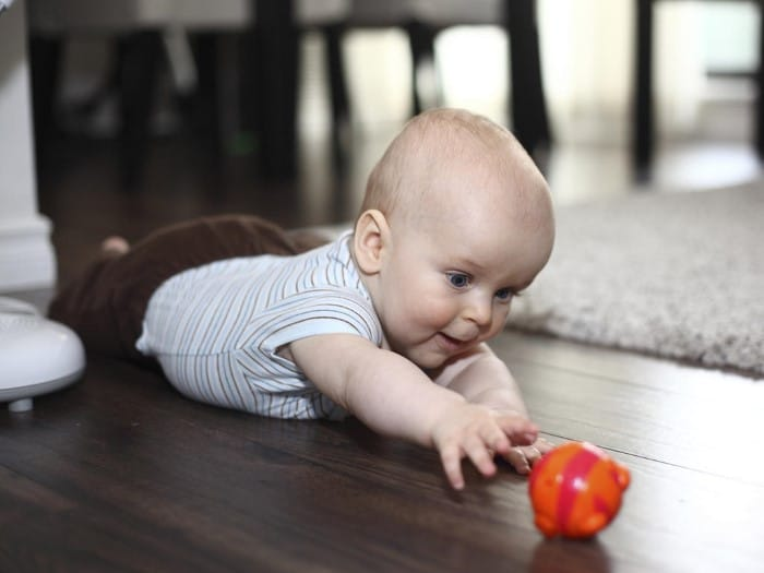 Bebê com 4 meses de vida