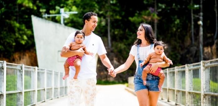 Pai de gêmeas ganha licença-paternidade de 180 dias em SC