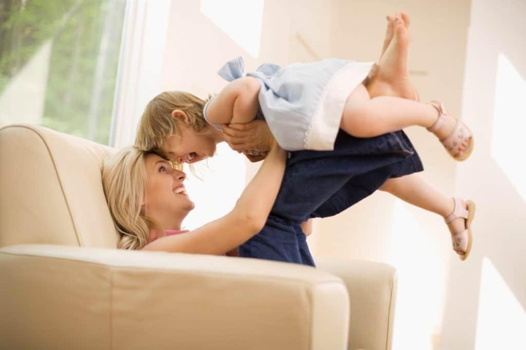 Mães que criam os filhos sozinhas