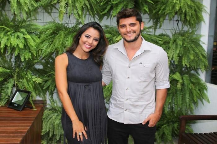 Read more about the article Nasce Madalena, filha dos atores Yanna Lavigne e Bruno Gissoni