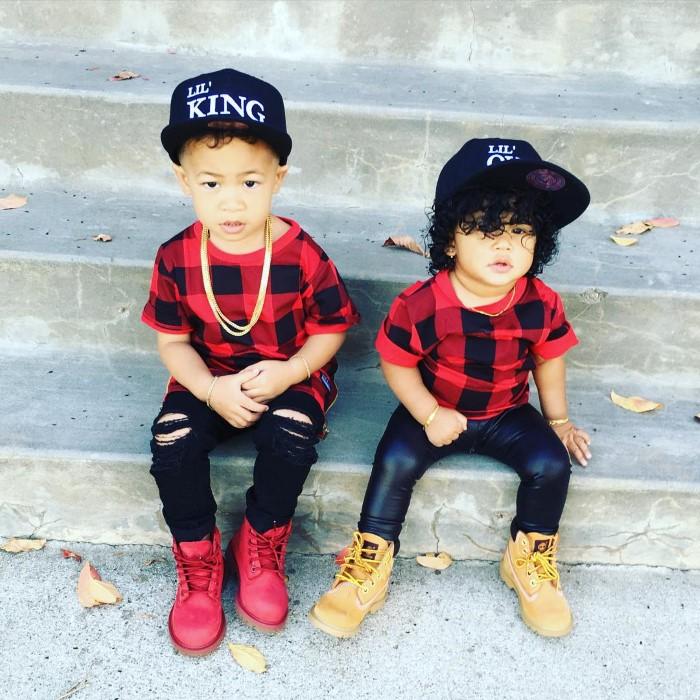 roupas irmãos iguais
