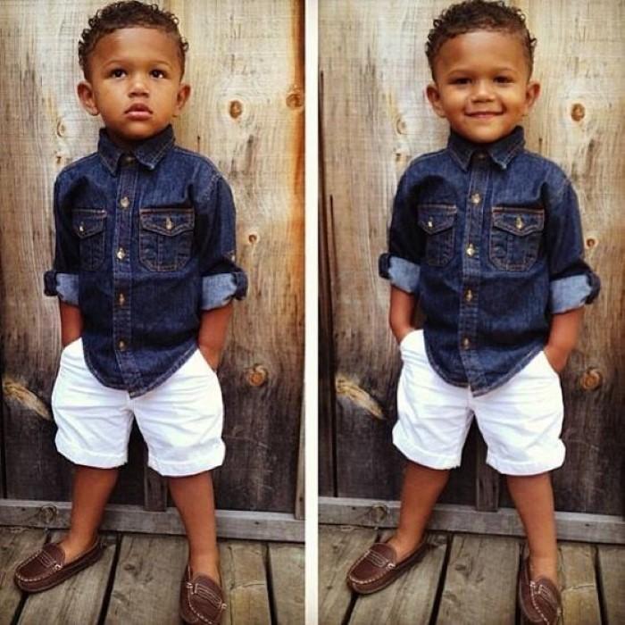 menino estiloso jeans