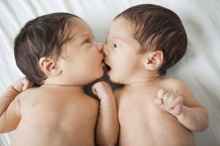 gravidez de gêmeos sintomas