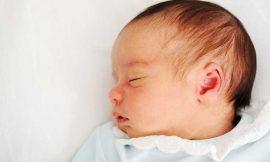 Bebê gripado: sintomas, cuidados, remédio, gripe com catarro