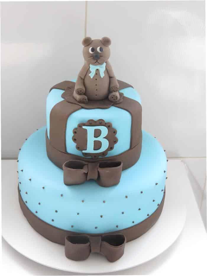 bolo para chá de bebê azul e marrom
