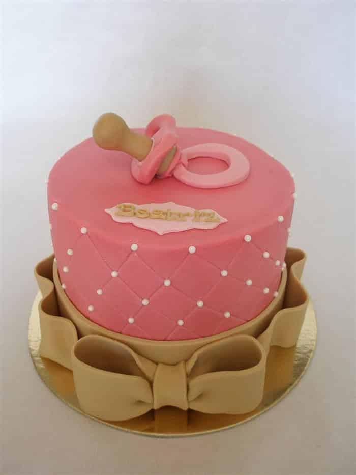 bolo para chá de bebê com laço