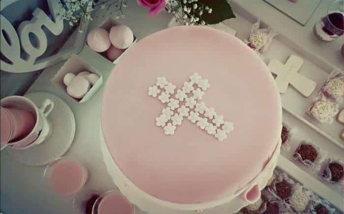 bolo de batizado infantil