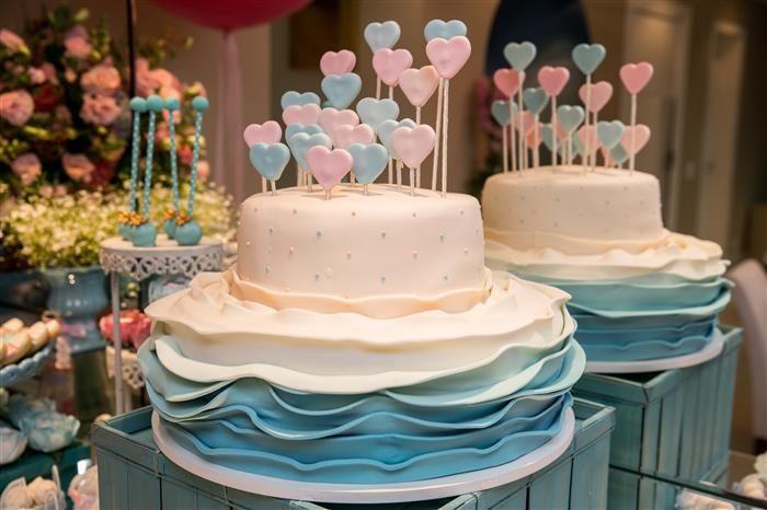 bolo para chá de bebe com corações