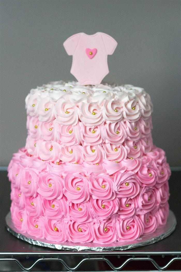 bolo decorado rosa com boddy