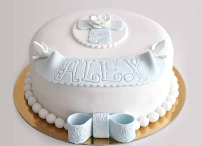 bolo de batizado para menino