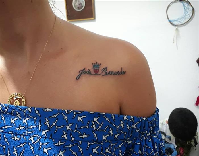 frase com nome no ombro
