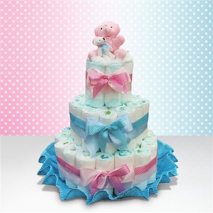 bolo feito com fraldas