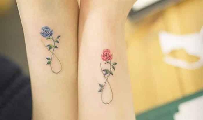 Tattoo mãe e filha infinito rosa