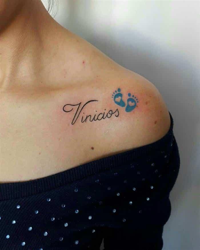 tatuagens com nomes de filhos no ombro