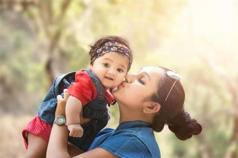 Read more about the article Frases para filha bebê emocionantes