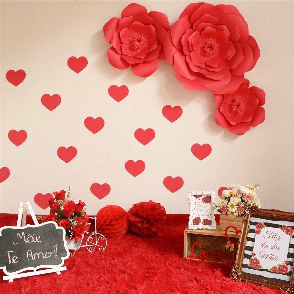 ensaio dia das maes com flores vermelhas