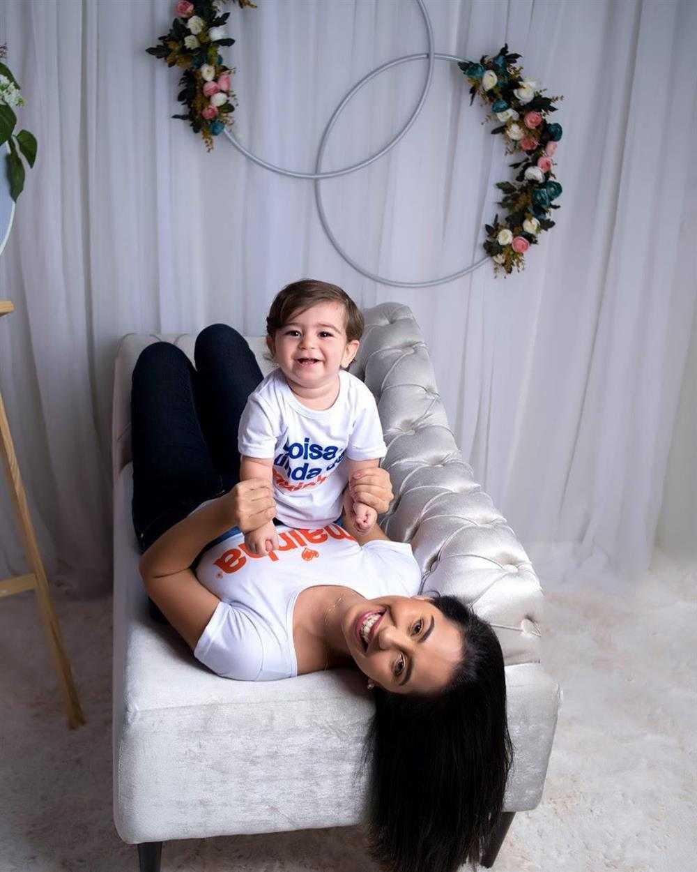 foto para o dia das mães no sofá