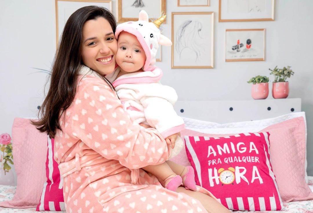 foto com o bebe no colo