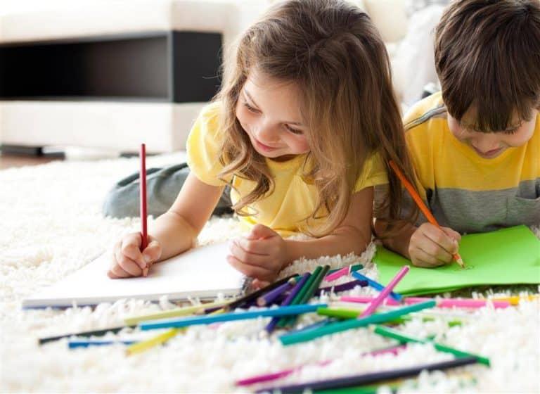 Read more about the article Brincadeiras para quarentena: + 40 ideias para fazer e se divertir