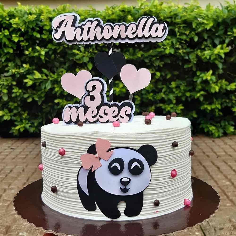 bolo branco panda rosa