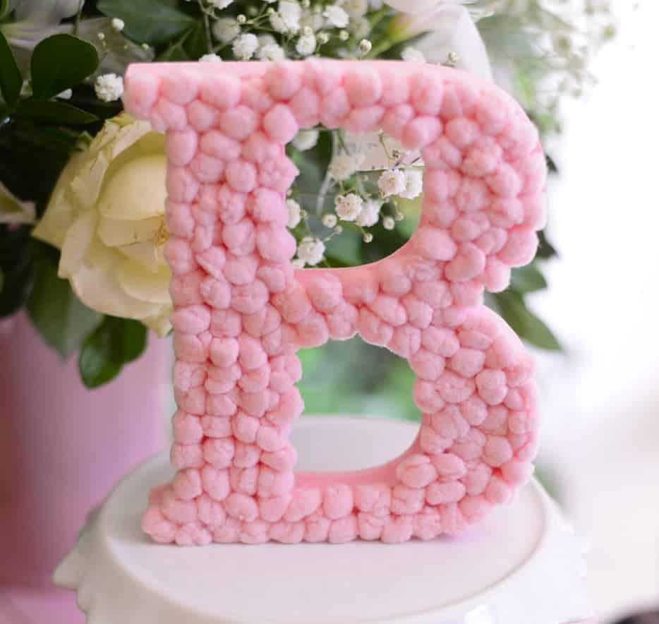letras de mdf decoradas com pompons