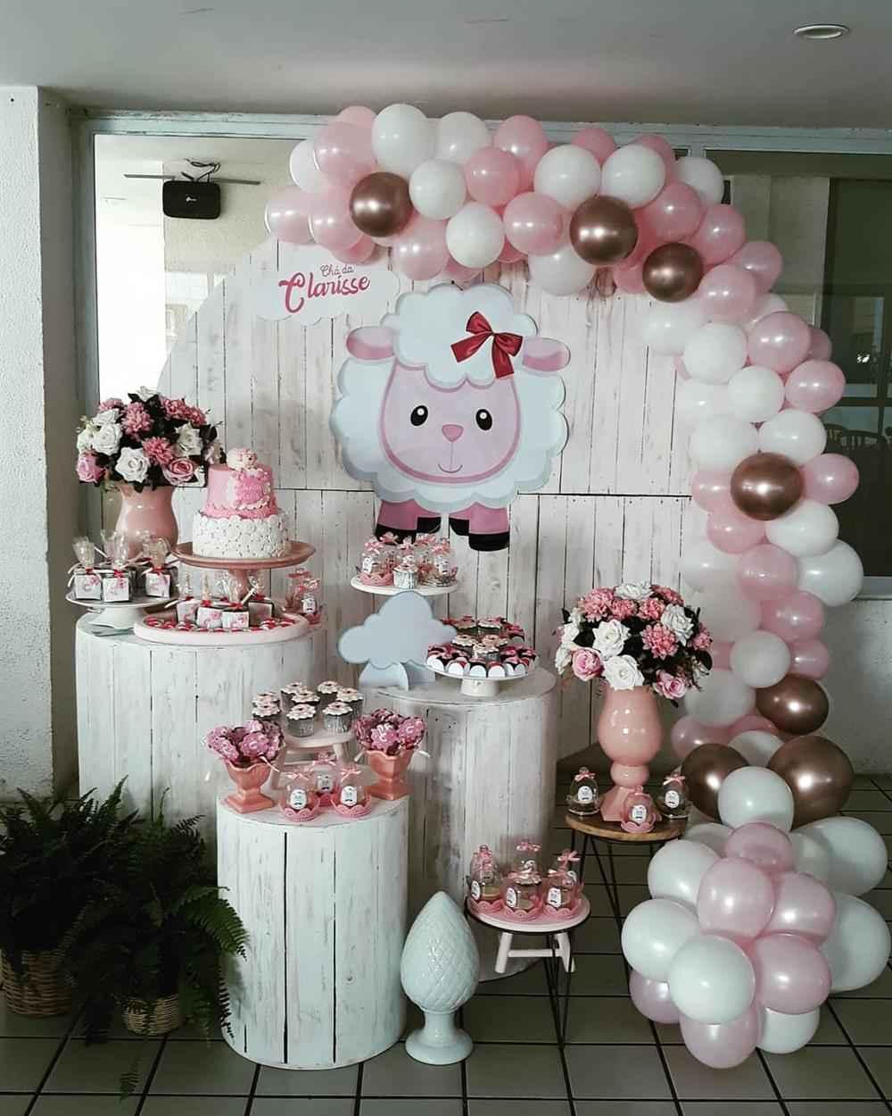 decoração de chá de fralda ovelhinha rosa e marrom