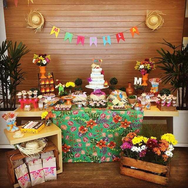 decoração de chá de fralda festa junina
