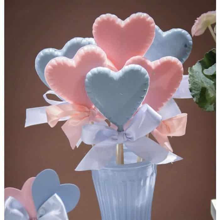 pirulitos de chocolate azul e rosa