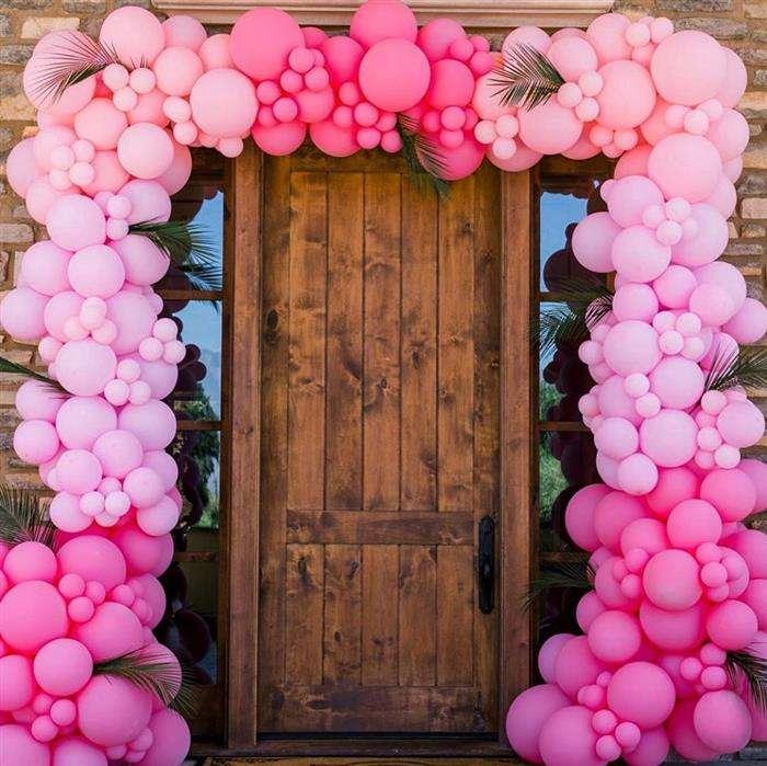 decoração com balões arco quadrado