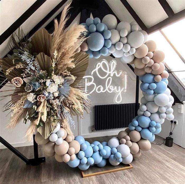 decoração com balões azuis