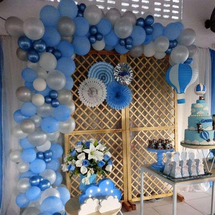 decoração com balões azul