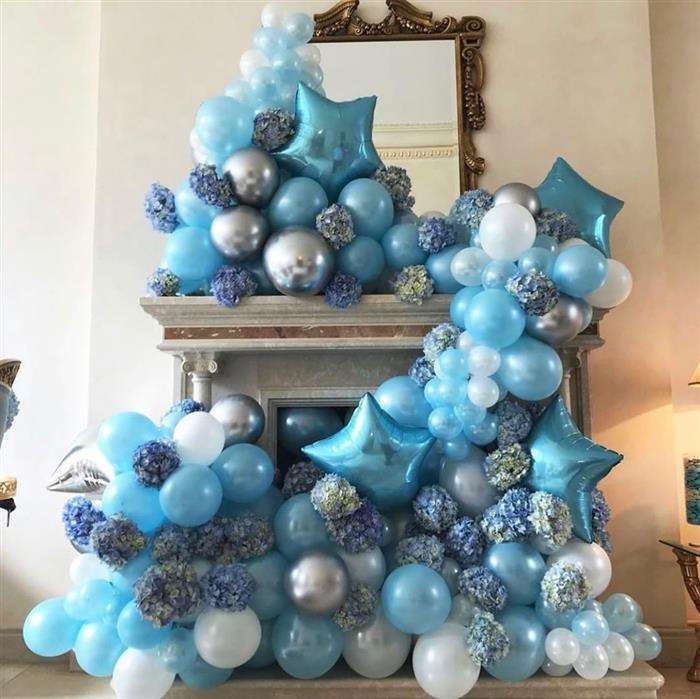 decoração com balões cromados