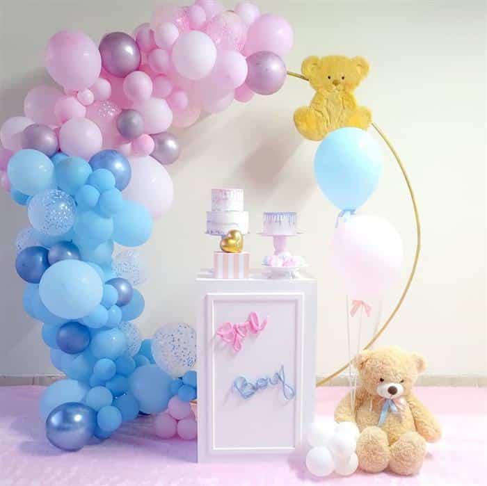 decoração com balões e bambole