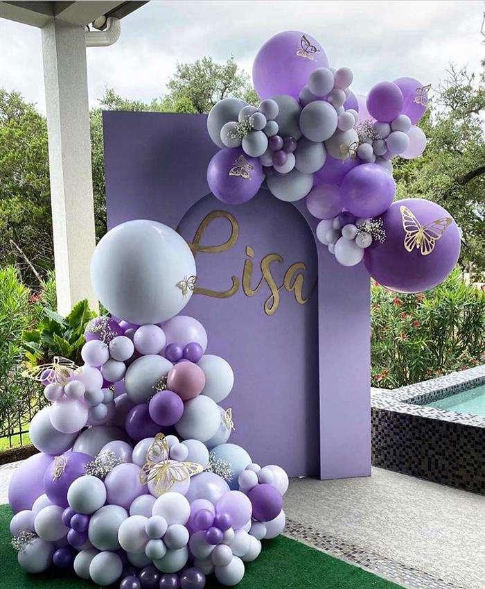 decoracao com baloes lilas e branco