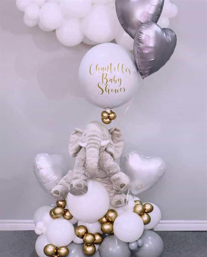 decoração com balões no chão