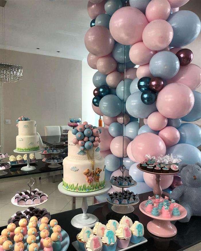 decoração com balões pendurados