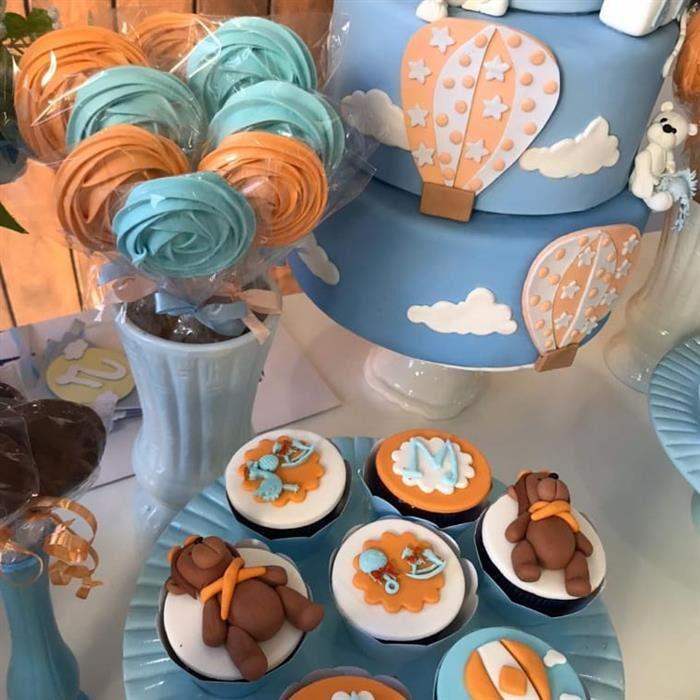 mesa de doces cha de bebe azul