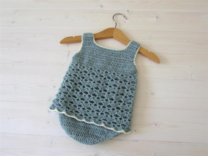 Macacão de crochê para bebês