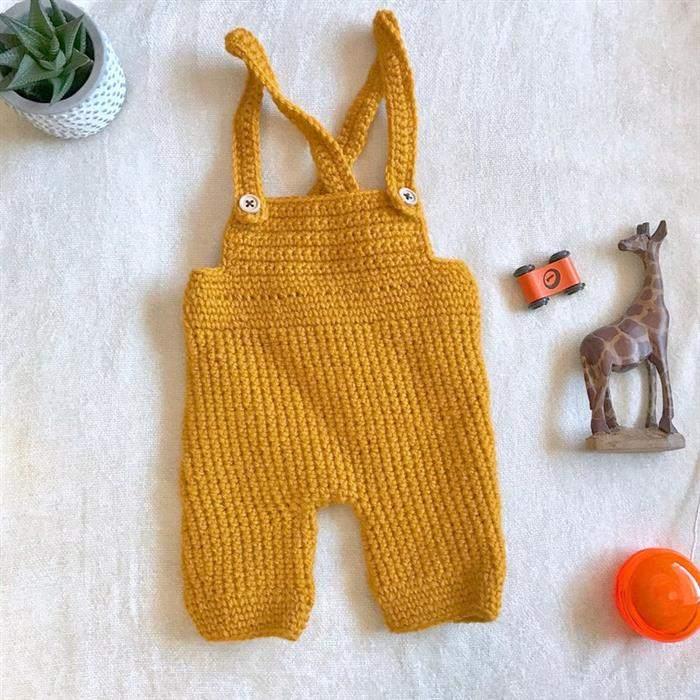 Macacão de crochê de menino