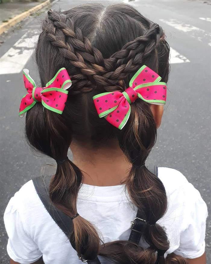 penteado com laços grandes