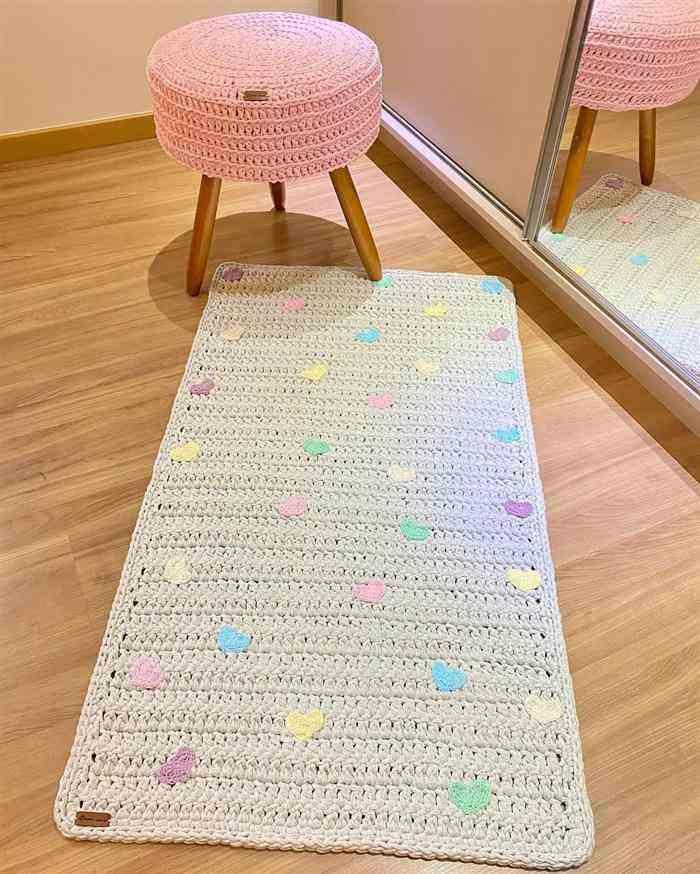 Decoração de quarto infantil feminino gastando pouco com croche