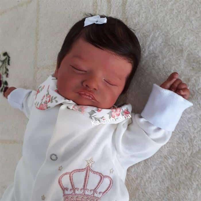 bebê reborn cabelo preto