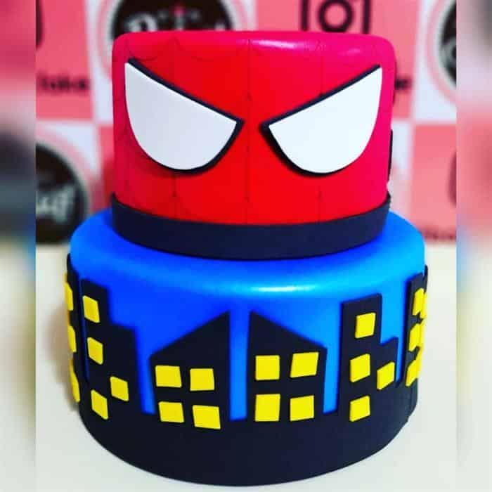 bolo fake homem aranha em eva