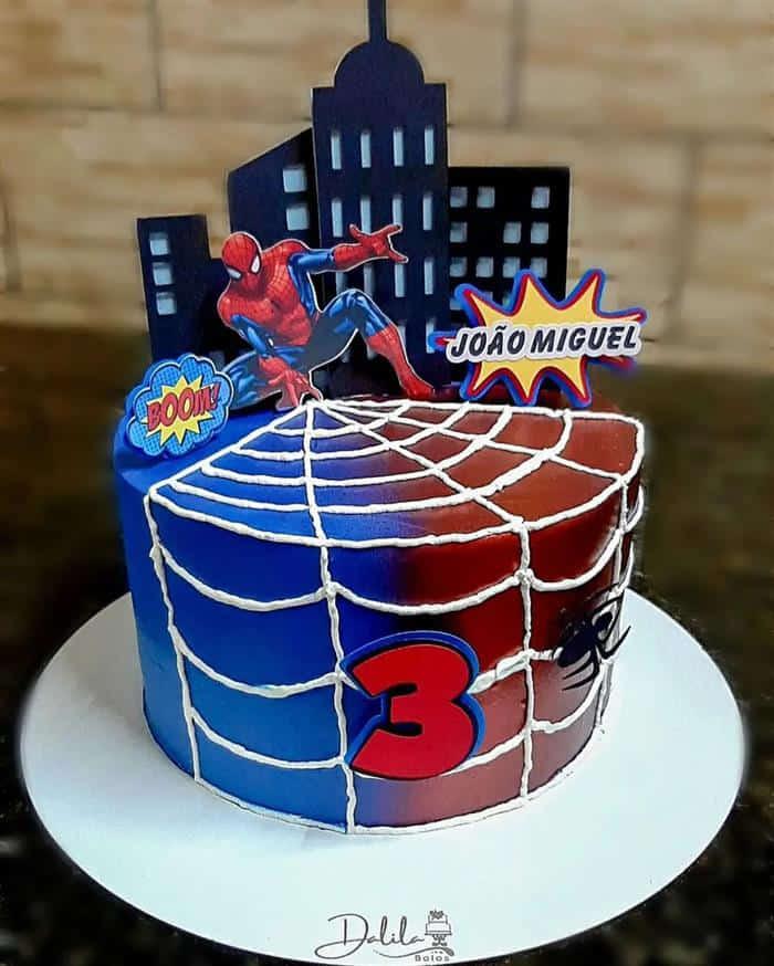 bolo homem aranha com topo
