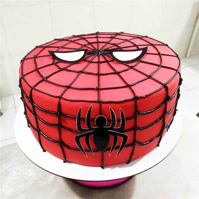 bolo homem aranha de pasta americana