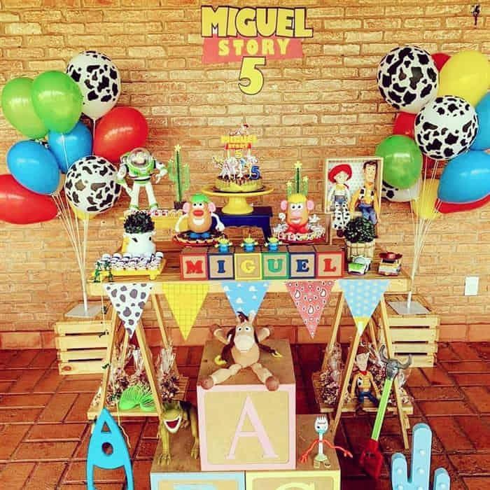 Read more about the article Como enfeitar uma festa de aniversário infantil simples