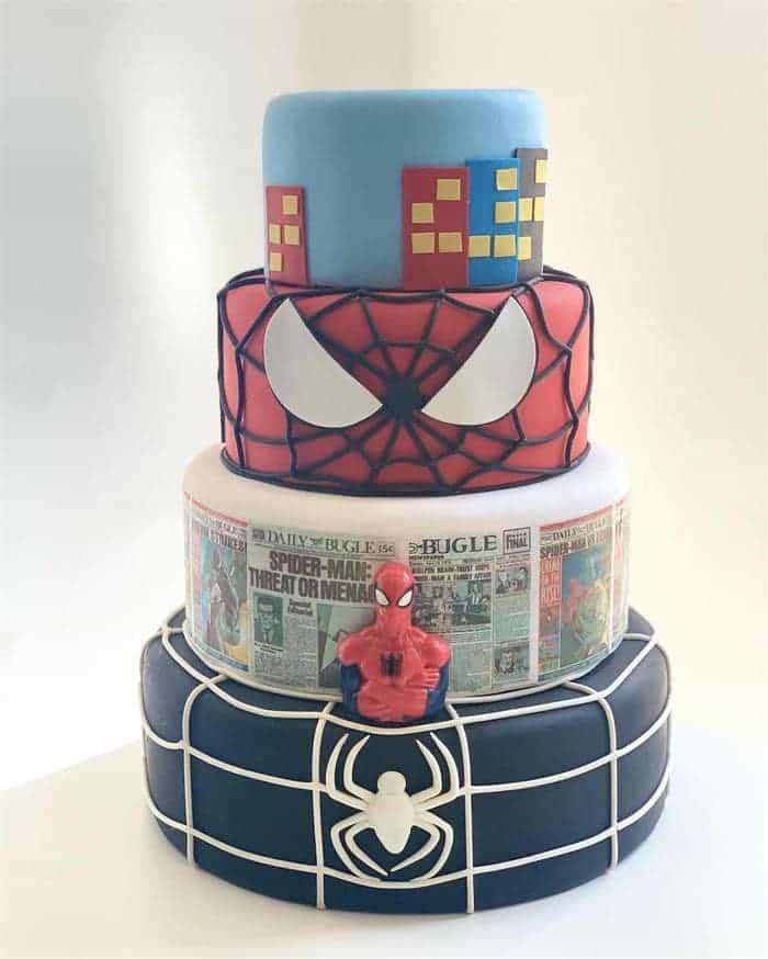 topo de bolo do homem aranha em biscuit